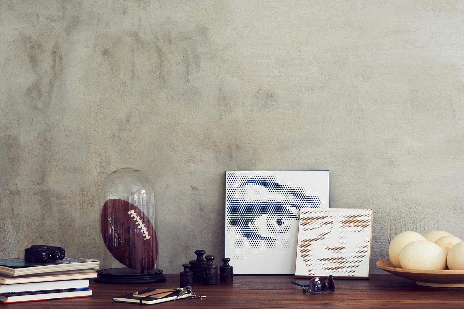 Brauner Schreibtisch mit hålvtone Motiven
