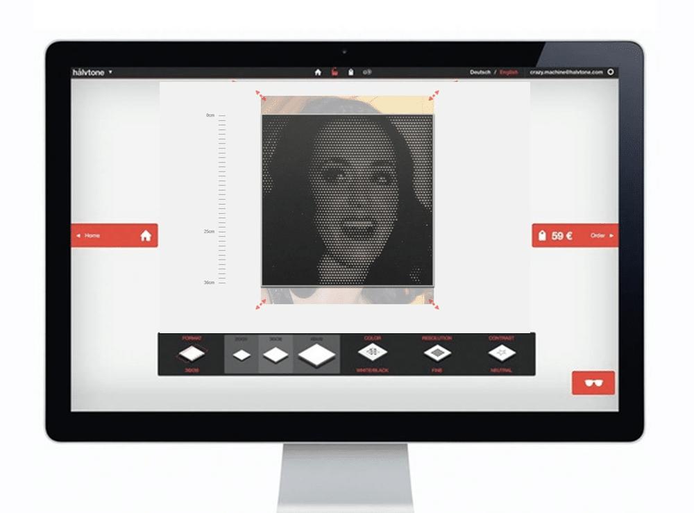 Virtuelle Werkstatt mit lachender Frau auf dem Bildschirm